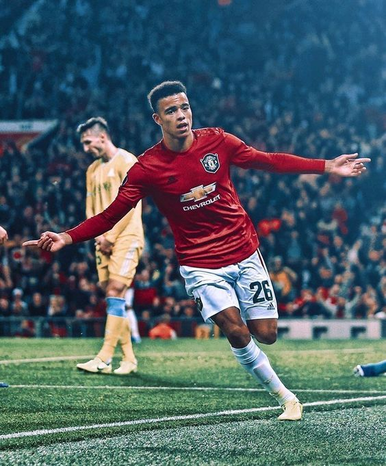 Pin By Ambush45 On Manchester United In 2020 Manchester United Players Manchester United Logo Manchester United Wallpaper