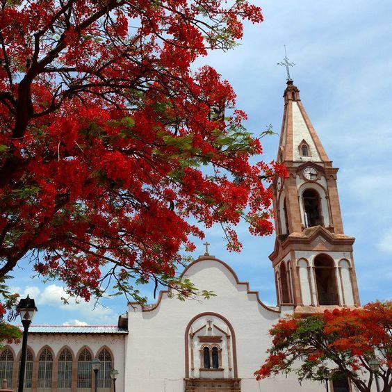 Parroquia de San Agustín, del año 1626. #jacona #michoacan #mexico #templosmx…