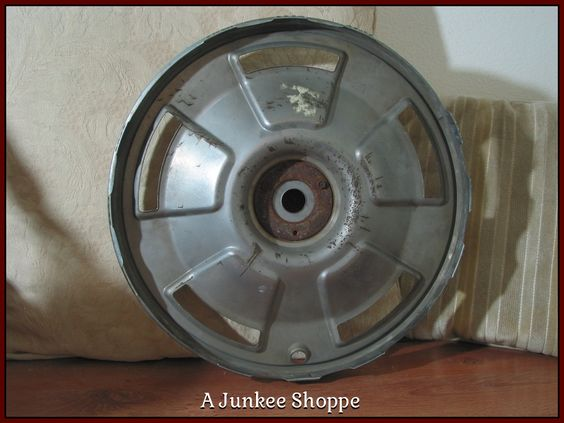 CHEVROLET CORVETTE Original 1966 5 Spoke Mag Style Hubcap With Spinner Used 987  http://ajunkeeshoppe.blogspot.com/