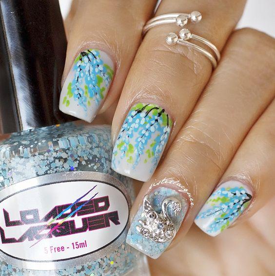 Wisteria nailart #flowernails #floralnail #nailcharm
