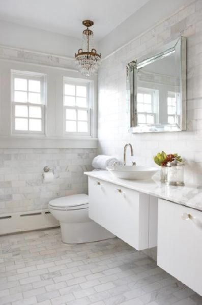 Badrumsinspiration – 23 badrum med vit marmor som bas - Sköna hem