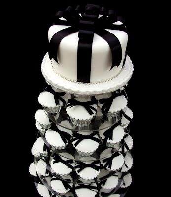 http://1.bp.blogspot.com/-4ZM1sWOosEM/T6Cqq51iCOI/AAAAAAAAYxc/zTAGAdQBNRg/s400/cupcakes_40.jpg