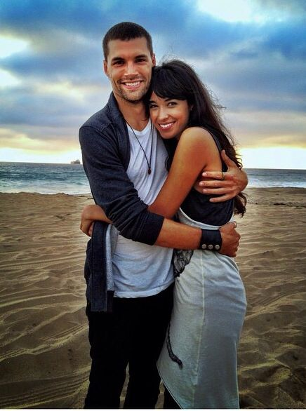 how did joel smallbone and moriah peters meet joe
