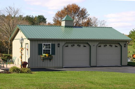 Garage buildings with living quarters this garage is the for Pole barns with living space