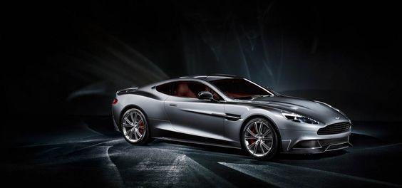 L'Aston Martin Vanquish va remplacer la DSB : pas de révolution mais une évolution. Le nom Vanquish reprend celui d'un ancien modèle lancé en 2001.