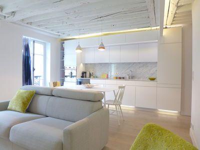 Cuisine cuisine blanc design : Aménagement salon design avec cuisine ouverte | Design, Salon ...