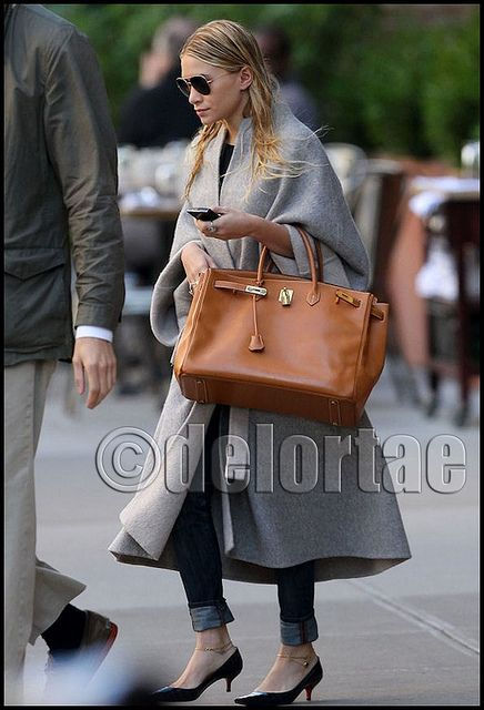 hermes crocodile kelly bag - Ashley Olsen toting Gold Birkin 40cm One of our fave two, Ashley ...