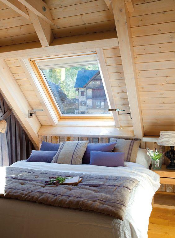 Un pequeño refugio de montaña: dormir bajos las estrellas. Revestido roble claro · ElMueble.com · Casas