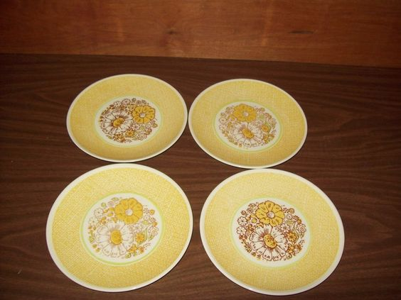 """Taylor Smith & Taylor Ironstone Nosegay Set of (4) 6 5/8"""" Bread Plates"""