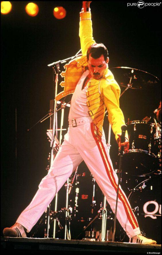 PHOTOS - Queen en concert à Manchester, le 16 juillet 1986.