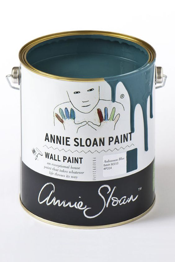 Annie Sloan Aubusson Blue Wall Paint is a tough, water-based household paint that takes whatever life throws its way. It's robust, smooth and easy to use with a luxurious matt finish and a very slight sheen. (Not available in the USA, Canada, Australia or New Zealand)