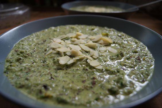 Grüne Gazpacho Die Grüne Gazpacho ist eine super Alternative für eine Suppe, wenn es im Sommer warm draußen ist.