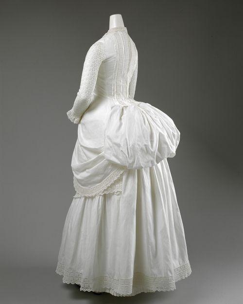 Dress ca. 1885 via The Costume Institute of the Metropolitan Museum of Art