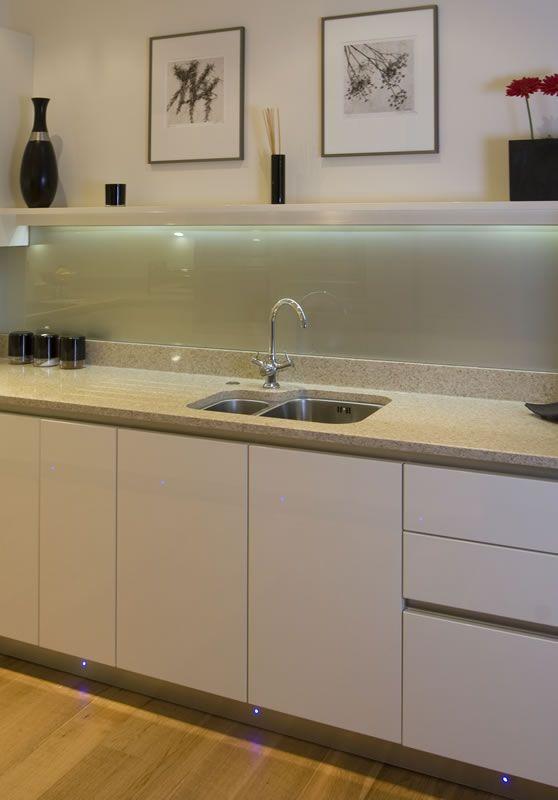 Kitchen Back Wall Iskanje Google Kuhinje Pinterest High - Acrylic kitchen splashbacks
