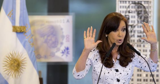 """Presidente, que está de saída do cargo, transformou a conta oficial da Casa Rosada em perfil sobre a """"Era Kirchner"""""""
