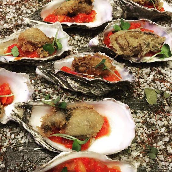 Gestern mal schnell in St Tropez gewesen bei der Eröffnungsparty des neuen Vilebrequin Shop in der Pinakothek der Moderne #munich #münchen #muenchen #party #sttropezmemunich #vilebrequinspirit #oysters #austern #food