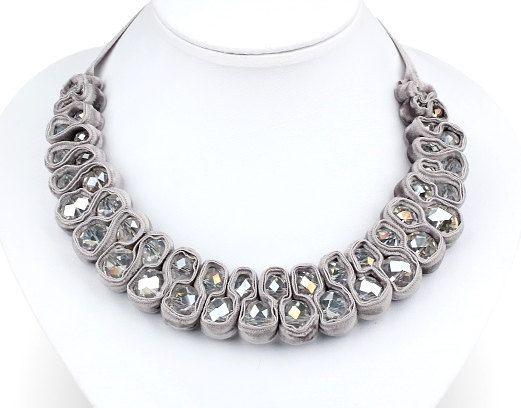 Bib Necklace Ribbon Necklace Silver/Grey por TrinketsNWhatnots, $30.00