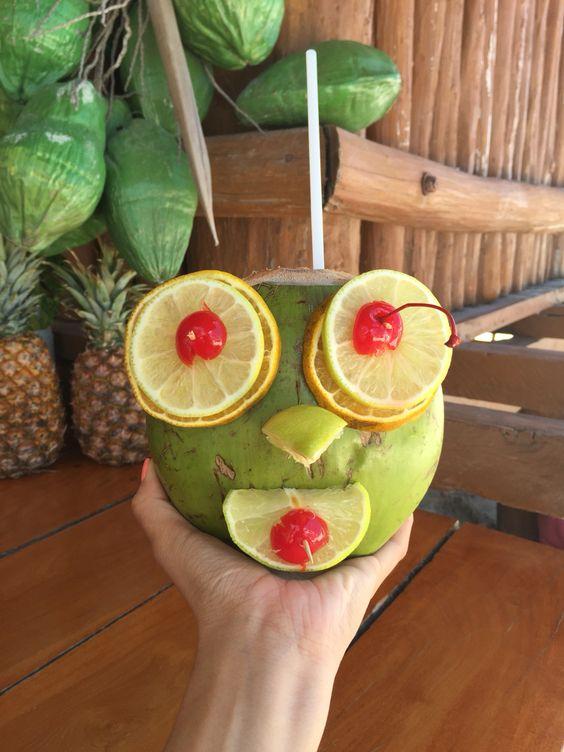 Instagram: @michellemarsel | DIY Coconut Face | Cancun, México