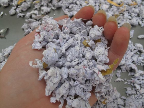 DIY hamster bedding tutorial - shredded paper