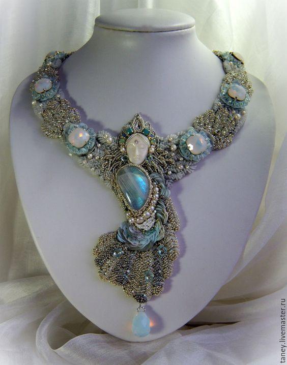 """Купить Колье """"Swan princess"""" - Вышивка бисером, ручная вышивка, лунный камень, царевна-лягушка"""