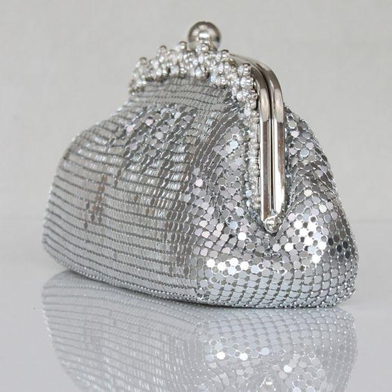 Fabulous Sparkle Sequins Handbag   Read More:   http://www.wejewelry.net/fabulous-sparkle-sequins-handbag.html