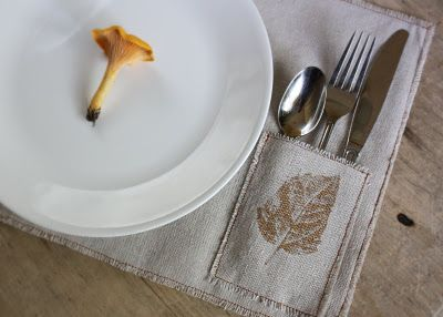 Placemat w  silverware pocket