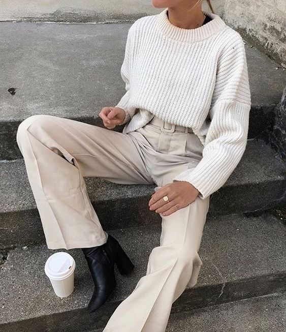 C o f f e e  t i m e   via @amandampn . . . #fashion #style #stylish #fashion2018 #stylescout #chic #fashionblog #fashionista #details #minimalstyle #fallknits #neutrals #fallstyle #coffeetime #allwhite #details #todaysoutfit #todayslook #fblogger #bloggerstyle #todaysinspiration #bedazelivefb #bedazelivetweet