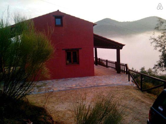 Échale un vistazo a este increíble alojamiento de Airbnb: Casa en el corazón de la Vía Verde. en Coripe