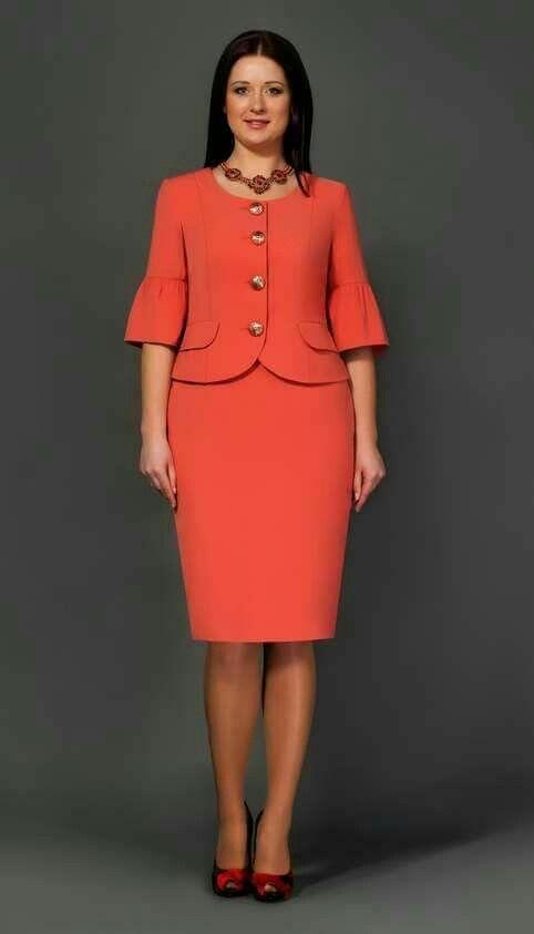 Pin De Roxana Eustaquio Quispe En Vestido Vestidos Sastres Para Dama Trajes Elegantes Vestidos De Moda Para Mujer