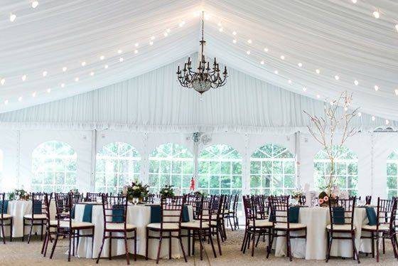 Real Wedding Ideas And Inspiration Here Comes The Guide Va Wedding Venues Virginia Wedding Venues Tent Wedding Reception