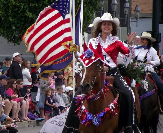 Google Image Result for http://1.bp.blogspot.com/_7aTFzmpiM-8/TDIWF0nh_qI/AAAAAAAAD7A/aYgYQm_H6PY/s1600/rodeo%2Bqueen.jpg