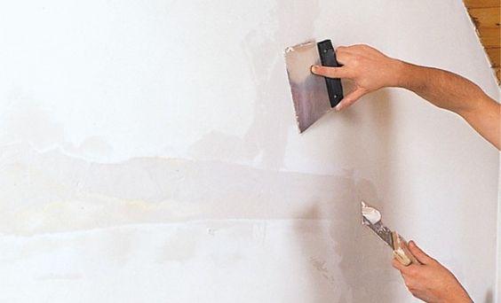Réparer des fissures au plafond  comment faire ? Construction and - peinture pour plafond fissure