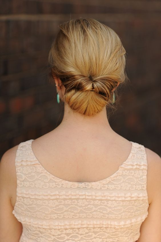 tutorial for a twisted chignon