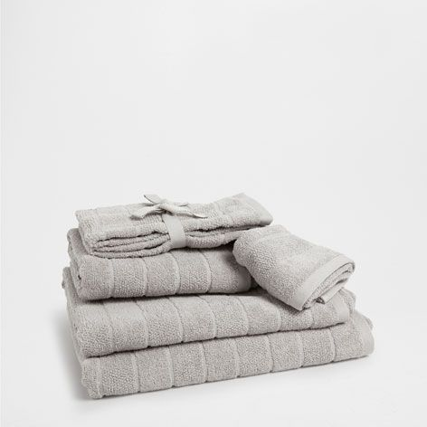 Toalla algod n jacquard toallas y albornoces ba o for Zara home toallas bano