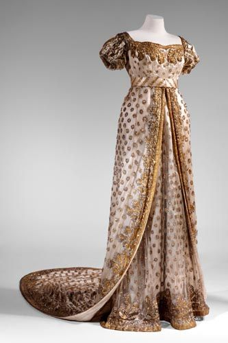 Dress worn to the wedding of Napoleon Bonaparte and Marie-Louise, 1810 France, Musée d'Eckmühl