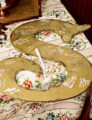 FANTASTIC. Ideas for alternatives to a guest book. Could also be used for anniversaries, milestone birthdays, etc.  LOVE THEM.