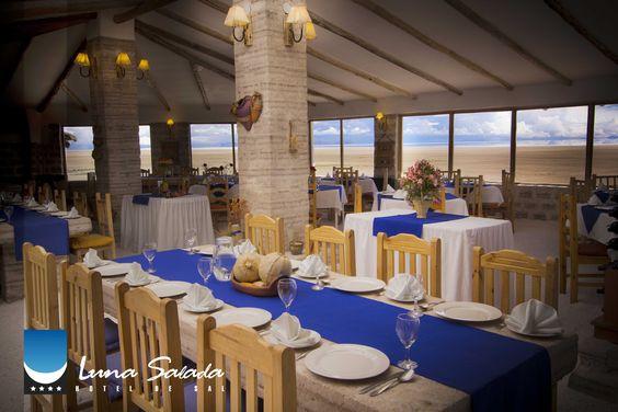 Hotel de Sal Luna Salada. Restaurante Tunupa  con las mejores vistas al Majestuoso Salar de Uyuni.