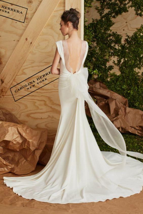 Brautkleid mit freiem Rücken und Schleppe Carolina Herrera