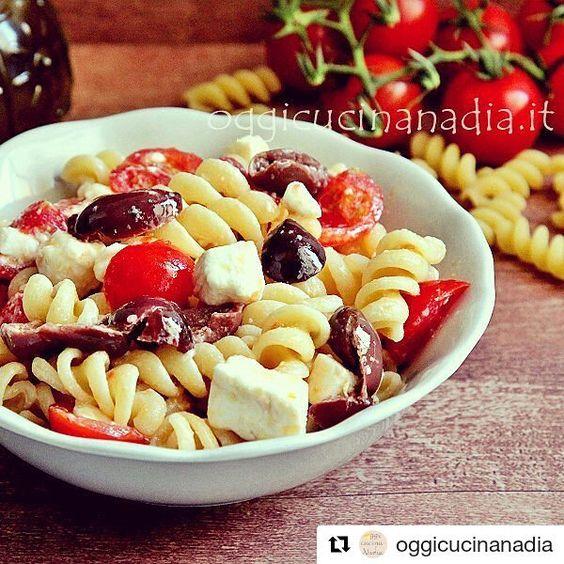 #Repost @oggicucinanadia with @repostapp  Insalata di pasta fredda alla greca  http://ift.tt/2cyaMdA  #recipe #foodlover #foodtravel #instagood #instaphoto #instalike #photography #photooftheday #recipeoftheday #oggicucinaNadia #foodporn #foodies #foodblog #foodblogger #sisasupermercati #salerno #napoli #food #ricette
