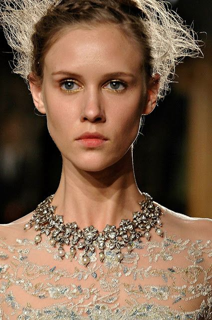 My BEADialogy...: Marchesa Fall 2012 - Beauty & Fashion Accessories (Part 2)