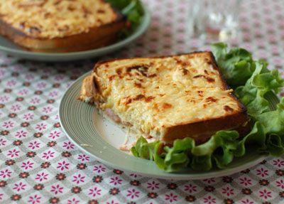 Croque monsieur à la béchamel, au four, la recette d'Ôdélices : retrouvez les ingrédients, la préparation, des recettes similaires et des photos qui donnent envie !