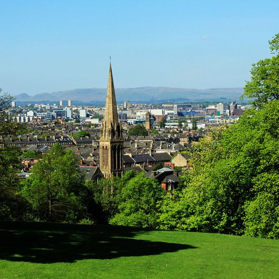 Our Favourite Places To Picnic in Glasgow This Summer