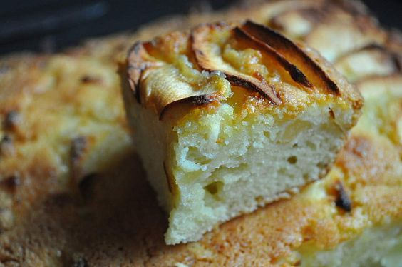 Apple & Almond Cream Cake