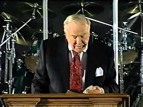 Mountain moving faith kenneth e hagin