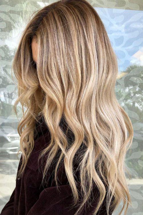 Haarfarbentrend Buttercream Blond Das Ist Die Perfekte Trendhaarfarbe Fur Den Winter 2020 In 2020 Haare Blond Farben Haarfarben Blond Strahnen Haarfarbe Blond