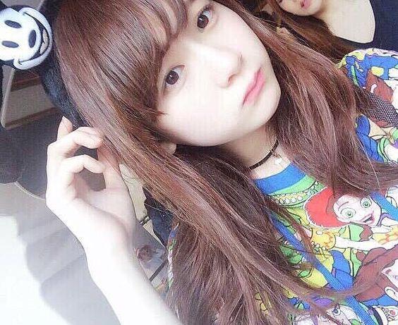 金子理江キャラクター柄の私服