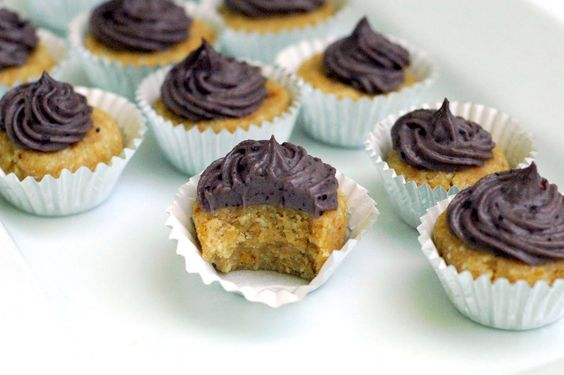 Raw Mulberry-Coconut Cupcakes