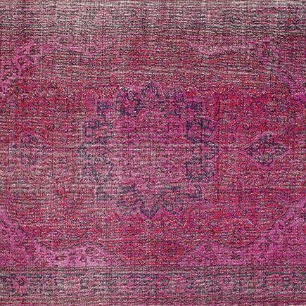 Tapete Antolia Patch en tonos rojos  #tapete #anatolia #arquitectural #floor #interiordesign #modaincasa #rugs #mexico