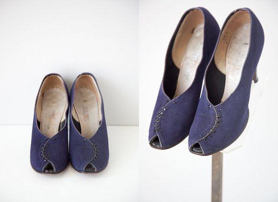 vintage 1940s shoes / vintage 40s heels / vintage by adoredvintage, $98.00