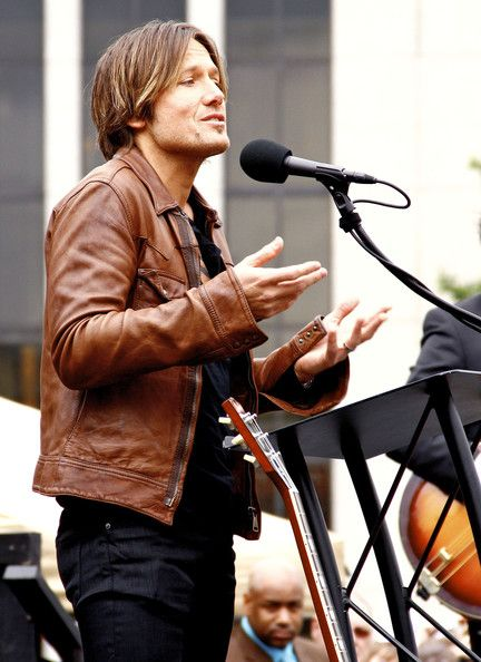 Keith Urban Keith Urban receiving a star on the Music City Walk Of Fame in Nashville, TN. Keith's wife Nicole Kidman was in attendance. Country Music legend Ronnie Milsap presented Keith with his star. Keith bent down to kiss his Star and then kissed Nicole. When fans yelled out for Nicole to kiss the star, Keith shouted 'Star, she's the star'
